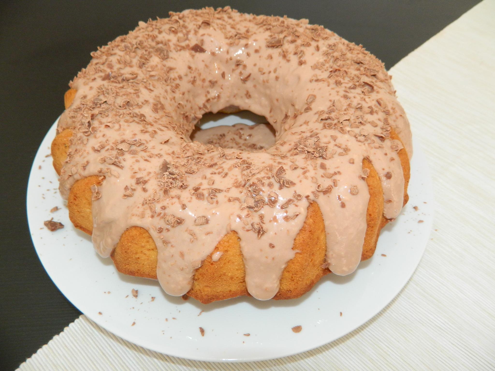 Pastel de coco o ciambella de coco con cremade nutella