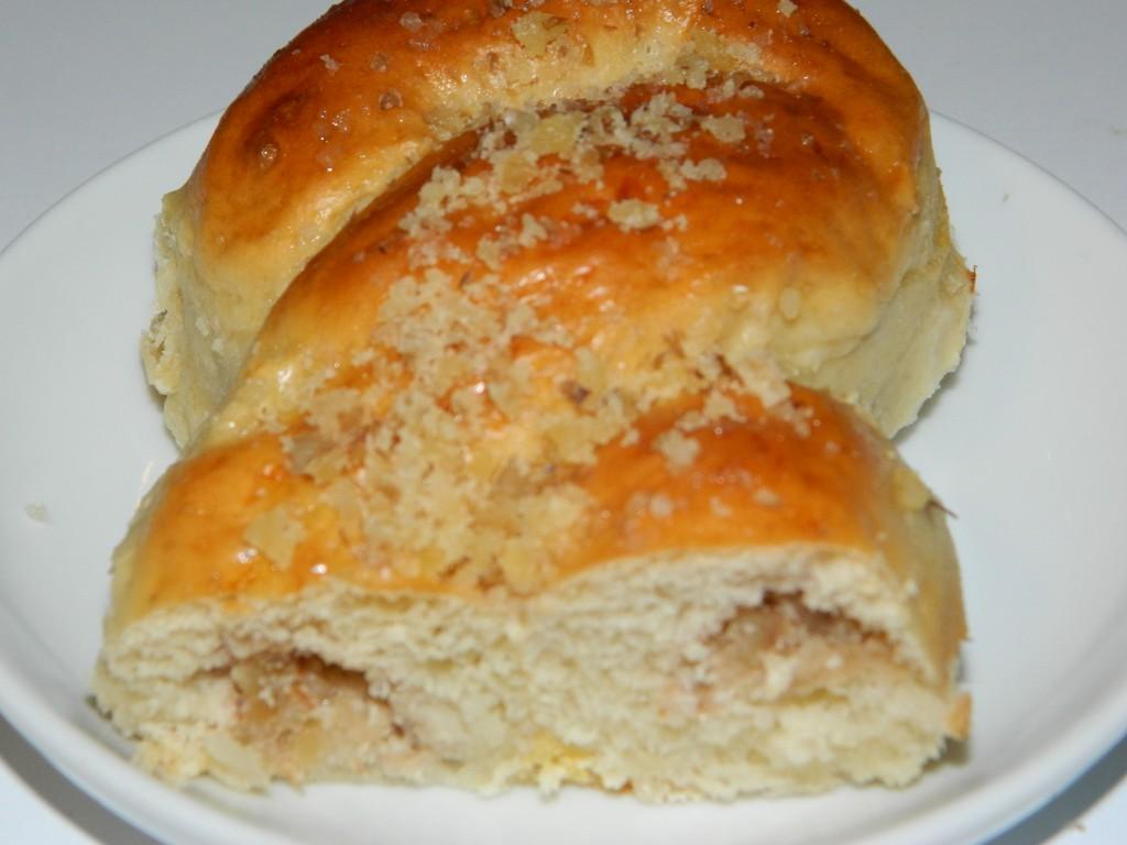 Pan dulce con crema de nueces 4