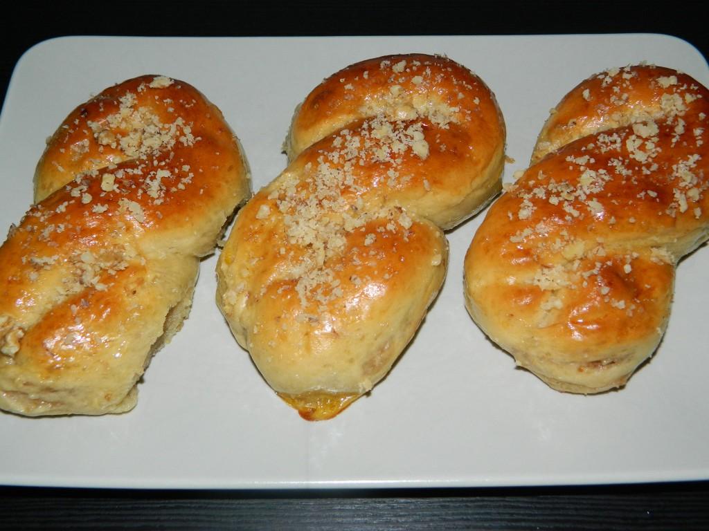 Pan dulce con crema de nueces 2